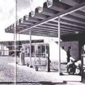 benzine station aan spaarndammerdijk